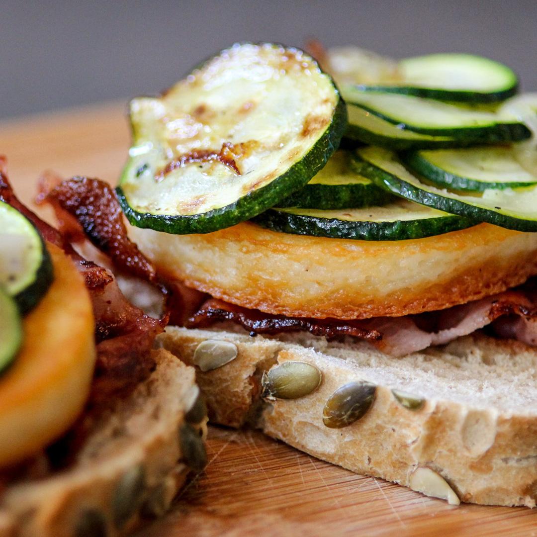 Käse-Zucchini-Toast