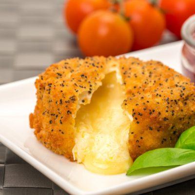 Panierter Camembert